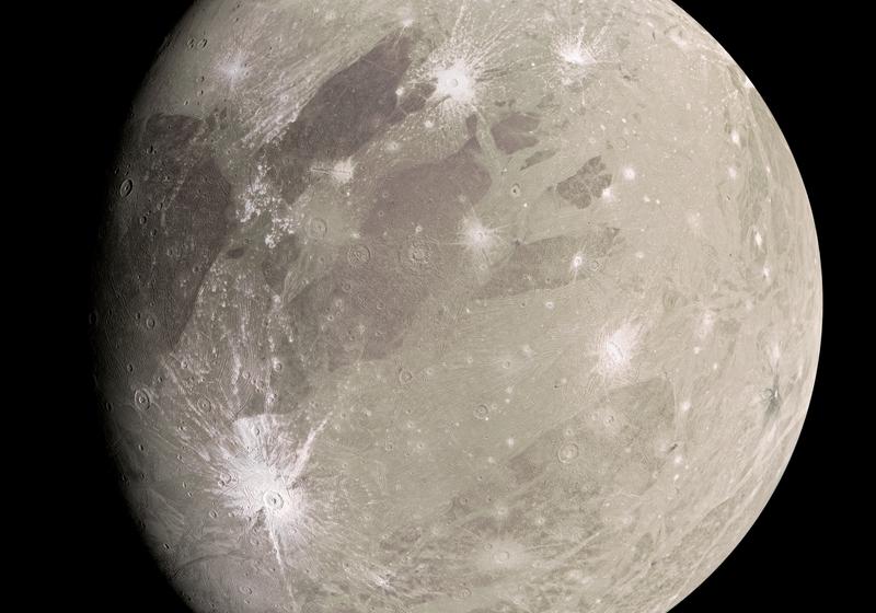De l'eau dans l'atmosphère de Ganymède